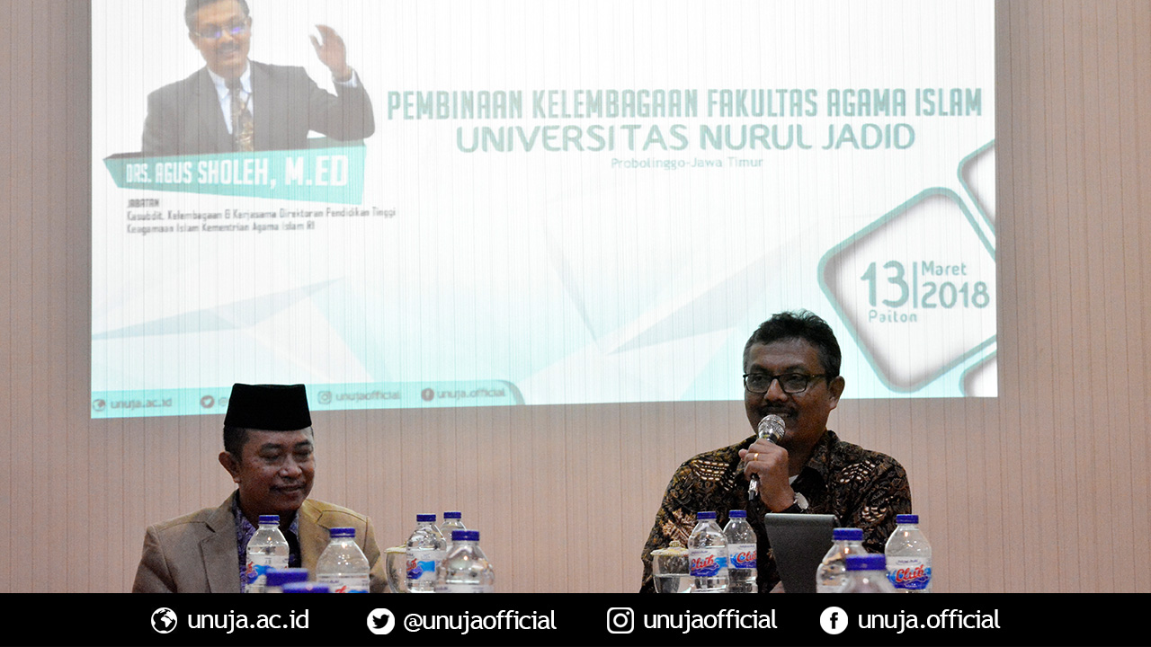Bapak Agus presents the materials for the program of Institutional Development and Training in Faculty of Islamic Religion UNUJA