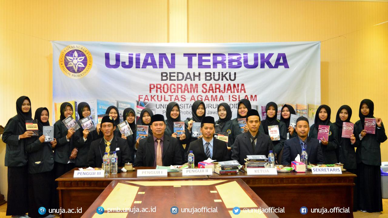 Selebrasi foto bersama para peserta Ujian Terbuka bersama seluruh dewan penguji