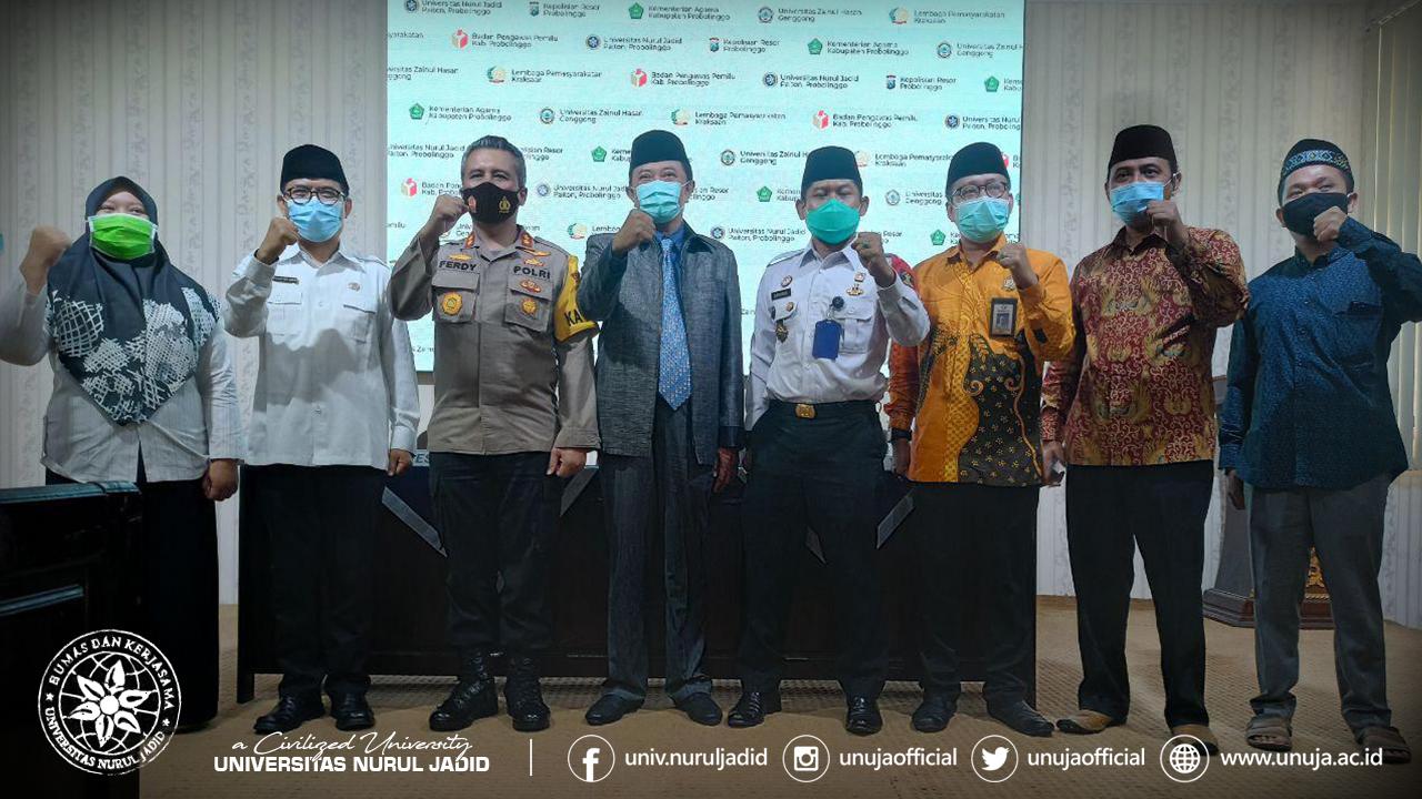 Foto bersama para pimpinan institusi mitra UNUJA