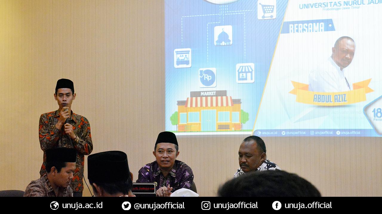 Bpk. Kamil Malik (ketua LPPK) beri sambutan di seminar UKM Berbasis Pesantren Universitas Nurul jadid