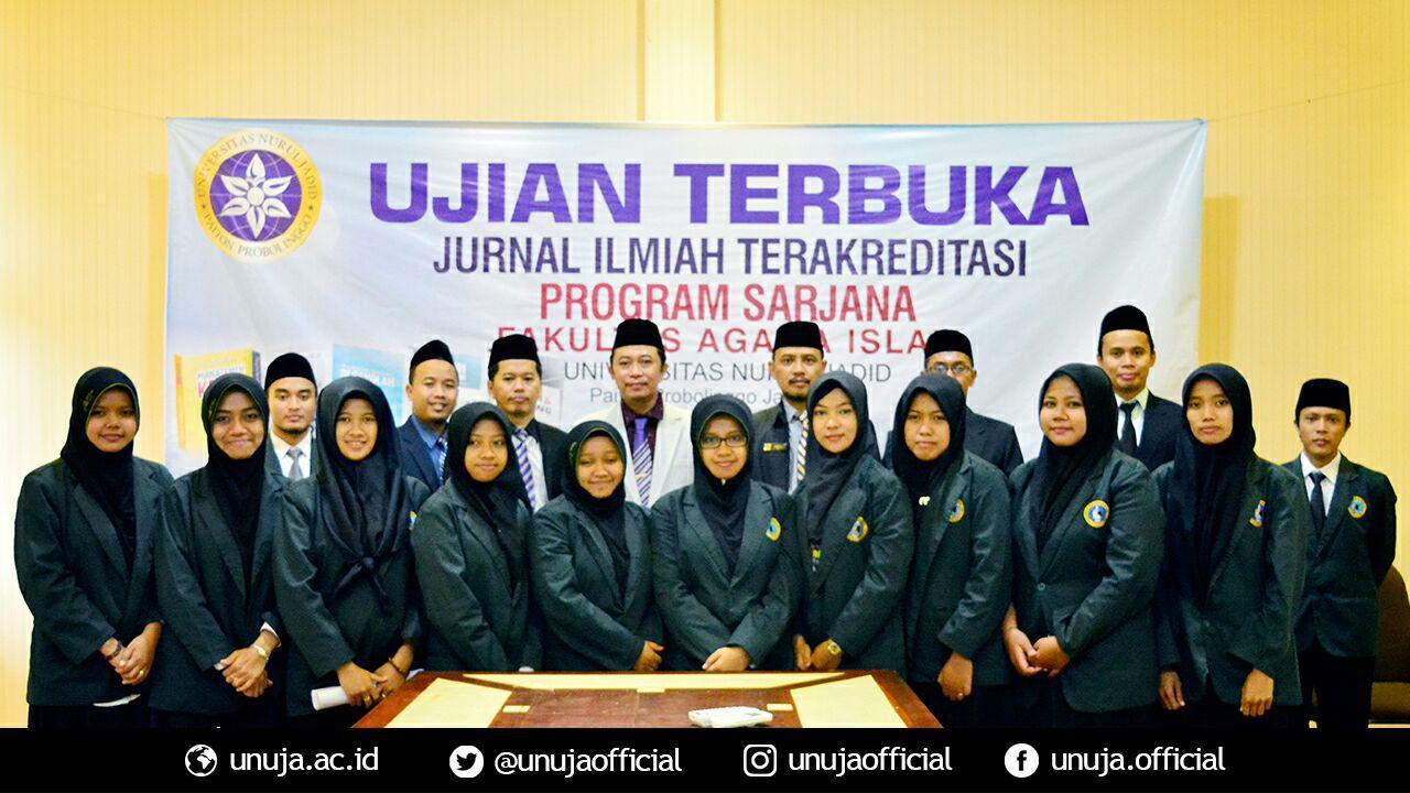 Foto bersama para peserta Ujian Terbuka bersama seluruh dewan penguji