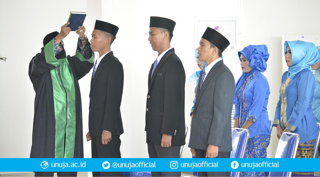 Sumpah Mahasiswa Profesi Ners Dipimpin Ketua PPNI Jawa Timur