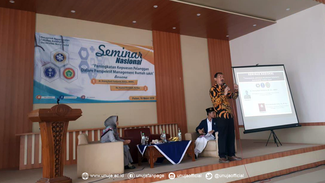 Seminar Nasional bersama Ka. Dinkes Probolinggo